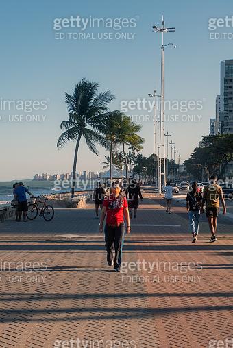 People walking in Boa Viagem
