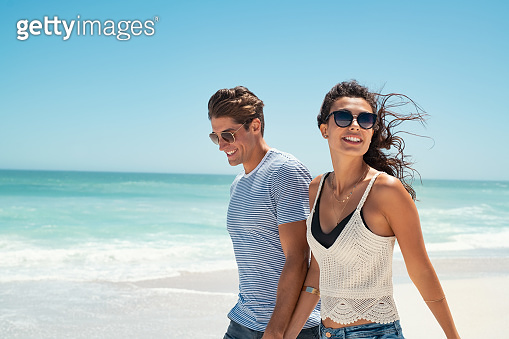Young couple enjoy summer vacation