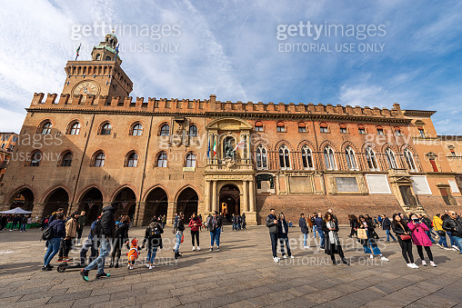 Piazza Maggiore and the ancient Bologna city hall - Italy