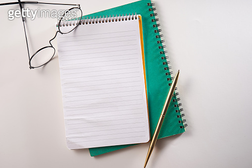 blank notepad  and pen