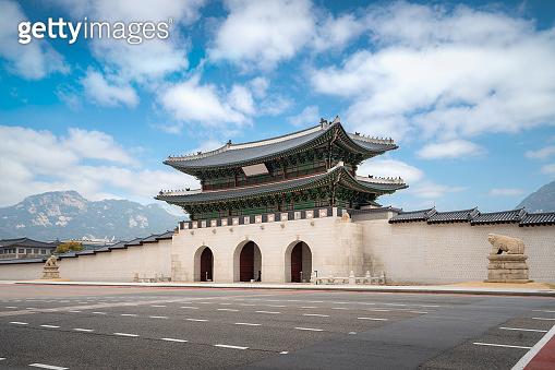 Gyeongbokgung palace gate and wall with nice sky in morning landmark of Seoul, South Korea.