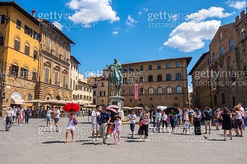 Equestrian statue of Cosimo de Medici on Piazza della Signoria in Florence, Tuscany, Italy