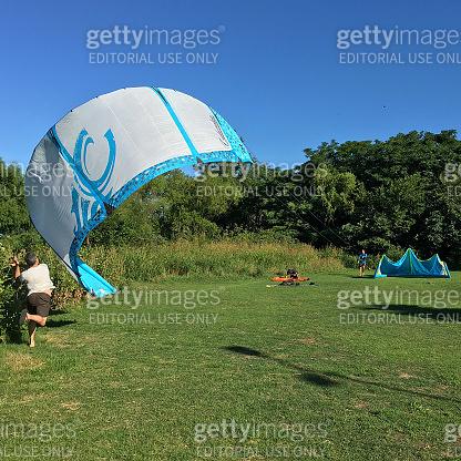 Getting some help to start kitesurfing