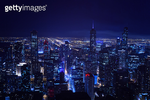 Busy night skyline view of Chicago city downtown