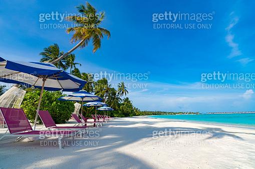 Located on the largest island in Dhaalu Atoll, hotel  Kandima Maldives