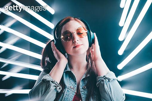 listening electronic music