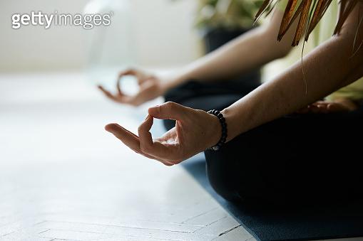 yoga mudra for deep concentration