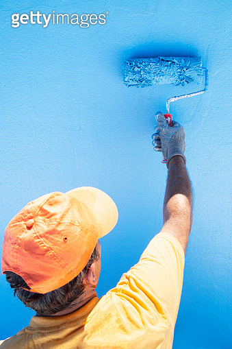 Painting the swimming pool