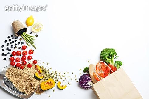 소품,음식,음식재료,레몬,종이봉지,방울토마토,단호박,브로콜리,연어-해산물,날것,곡식
