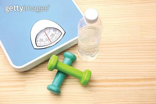 소품,건강관리,건강한생활,체중계,아령,물병,다이어트,웨이트트레이닝