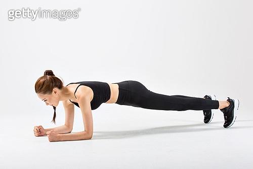 한국인, 워밍업 (운동), 웨이트트레이닝 (근육강화운동), 플랭크자세 (요가)