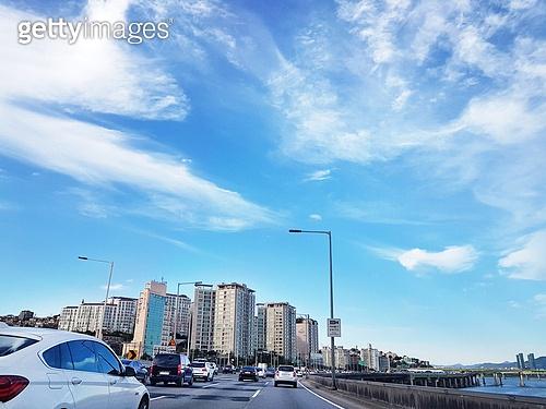고속도로, 도로, 자동차, 강변북로, 서울 (대한민국), 도심지 (구역), 고층빌딩 (회사건물)