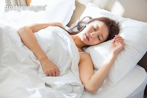 한국인, 여성, 아침, 기상 (움직이는활동), 기지개, 숙면, 싱글라이프 (주제), 잠