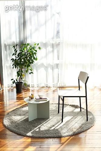 의자 (좌석), 거실,빛,인테리어,가구,아늑함,러그,협탁,커튼