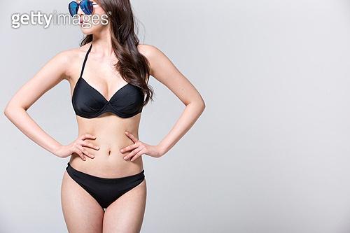 여성, 비키니, 여름, 엷은색선글라스 (선글라스), 카피스페이스 (구도), 다이어트 (체형관리)