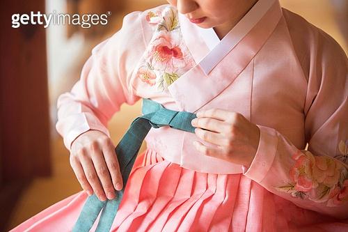 여성, 한옥 (한국전통), 전통문화, 한복, 한국명절 (한국문화), 저고리