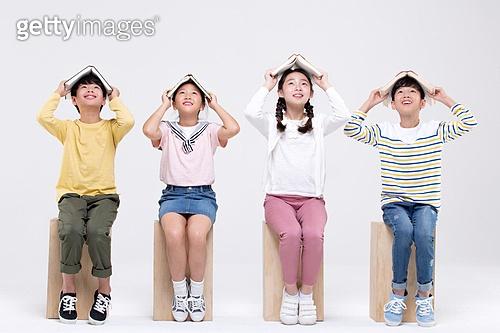 초등학생, 누끼, 앉기, 응시 (감각사용)