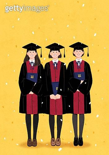 학생, 고등학생, 졸업, 기쁨, 졸업가운, 학사모, 꽃가루, 여학생, 친구 (컨셉), 학위증서 (증명서), 졸업 (학교생활), 축하이벤트 (사건)