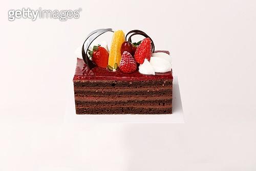 케이크,음식,디저트,케이크조각,생크림,과일,한개