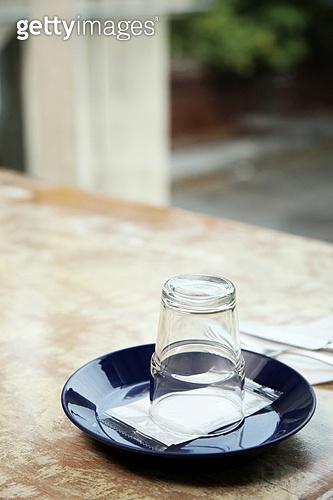 컵 (그릇), 테이블
