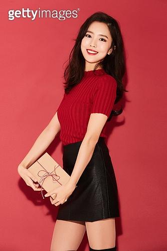 여성, 패션, 빨강 (색상), 선물 (인조물건), 선물상자, 미소