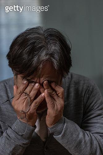 노인, 외로움 (컨셉), 우울 (슬픔), 절망 (슬픔), 스트레스