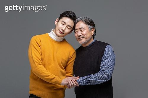 한국인, 아빠, 아들, 가족, 미소, 손잡기, 신뢰 (컨셉), 의존 (컨셉)