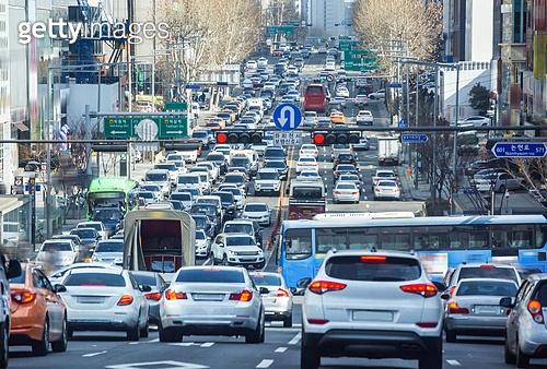서울 (대한민국), 한국 (동아시아), 대한민국 (한국), 자동차 (자동차류), 운전, 교통, 교통수단, 도로, 출퇴근, 러시아워, 교통체증 (교통), 도시, 도심지 (구역), 도심지, 도시거리, 자동차