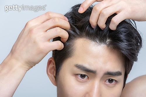 머리카락 (주요신체부분), 탈모, 탈모 (질병), 머리카락, 두피, 헤어케어, 질병, 한국인, 동양인 (인종), 한국인 (동아시아인), 스트레스