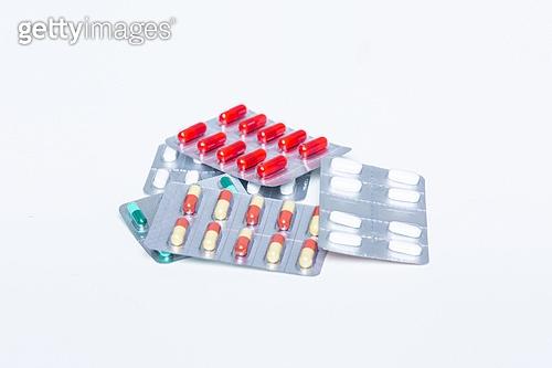 약 (의료품), 의료품, 약, 진통제, 항생제, 약국, 영양제, 알약, 비타민, 감기약 (약)