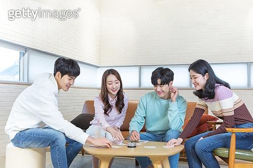 청년 (성인), 대학생, 친구, 보드게임, 청년문화, 재미, 즐거움, 미소
