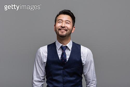 40-49세 (중년), 성인 (인간의나이), 얼굴표정 (커뮤니케이션컨셉), 감정, 명상