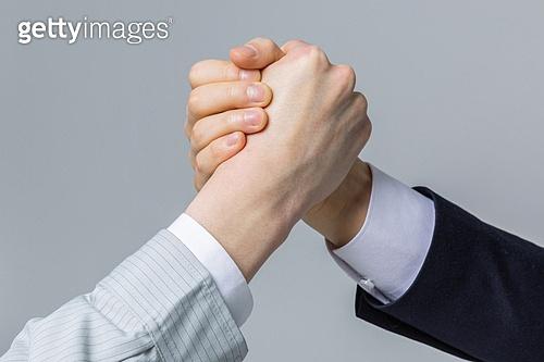 한국인, 건설업 (산업), 팀워크, 파트너십 (팀워크), 함께함 (컨셉), 협력, 협력 (컨셉), 팀워크 (협력), 합의 (컨셉), 건축, 계약, 단결 (함께함), 신뢰 (컨셉), 사람손