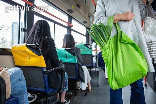 대중교통 (운수), 버스, 차량실내 (교통수단일부), 승객