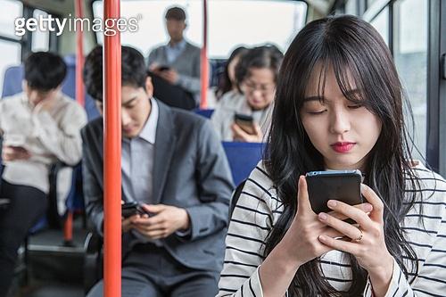 버스, 교통, 버스 (육상교통수단), 예절 (컨셉), 스마트폰, 출퇴근, 스몸비, 무관심
