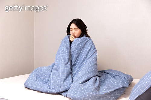 차가움 (컨셉), 감기, 고통, 질병 (건강이상), 이불, 겨울