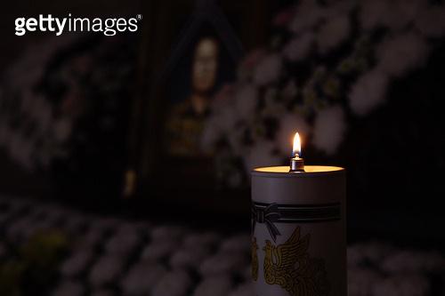 장례, 장례 (사건), 초, 촛불