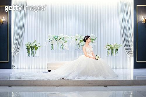 여성, 결혼식, 신부대기실, 웨딩드레스 (드레스), 미소