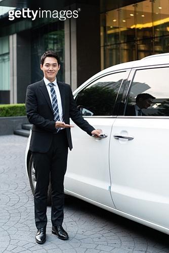 차량호출서비스, 카셰어링 (공유경제), 비서, 비서 (화이트칼라), 한국인, 교통수단, 운전사, 운전사 (운송직업), 차량호출서비스 (컨셉)