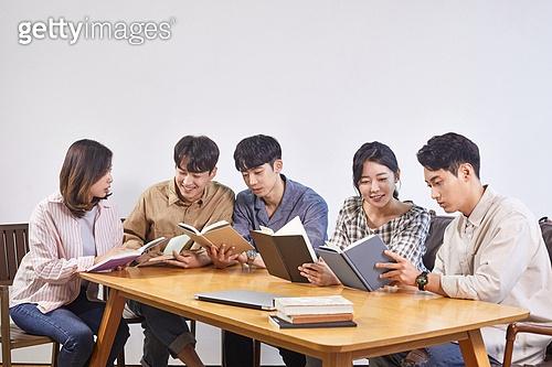 청년문화, 독서동호회 (동호회), 동아리 (청년단체)