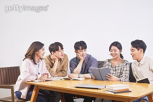 청년문화, 독서동호회 (동호회), 동아리 (청년단체), 미소, 밝은표정