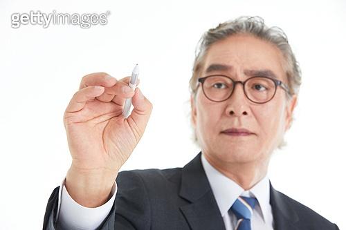 5G, 무선기술, 디지털화면, 터치스크린, 첨단기술 (기술), 스마트글래스, 액정화면 (영상화면), 터치스크린 (장비), 한국인, 디지털펜 (입력도구), 글씨쓰기 (움직이는활동)