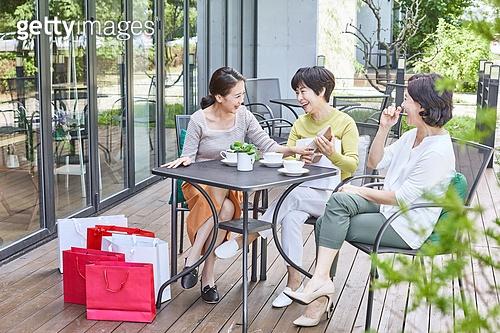 중년 (성인), 여성, 카페, 휴식, 함께함