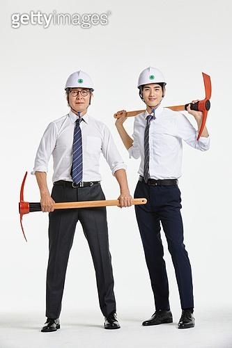 한국인, 비즈니스 (주제), 성공, 전략, 비즈니스맨, 건설업 (산업), 건설현장 (인조공간), 발전 (컨셉), 성장, 성장 (컨셉), 경제, 협력, 팀워크, 단결 (함께함)