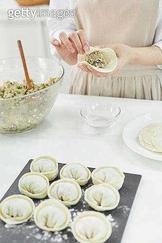 가정주방 (주방), 음식재료 (음식), 요리하기 (음식준비), 레시피, 만두 (한식)