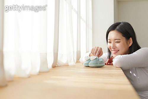 임신 (물체묘사), 미소, 저출생 (컨셉), 행복, 햇빛 (빛효과)