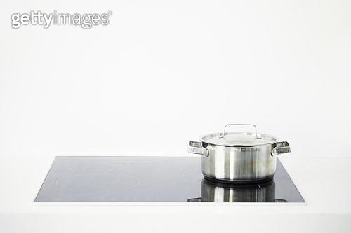 요리 (음식상태), 요리하기 (음식준비), 주방 (건설물), 식당주방 (주방), 가정주방, 냄비, 인덕션, 인덕션 (주방가전제품), 끓이기
