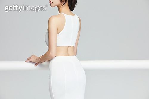 흰색 (색), 드레스, 고급 (컨셉), 멋 (컨셉), 여성, 바디라인 (날씬함)