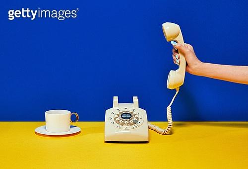 한국인, 사람손, 뷰티, 쥬얼리, 의료성형뷰티, 손가락, 레트로스타일 (컨셉), 뉴트로, 20세기스타일 (스타일)