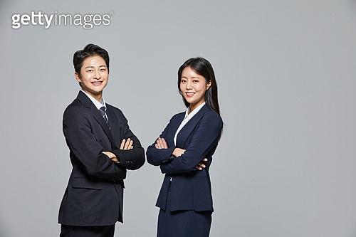 한국인, 선거, 투표 (선거), 비즈니스맨, 화이트칼라 (전문직), 취업준비생 (역할), 채용 (고용문제), 고용문제 (주제)